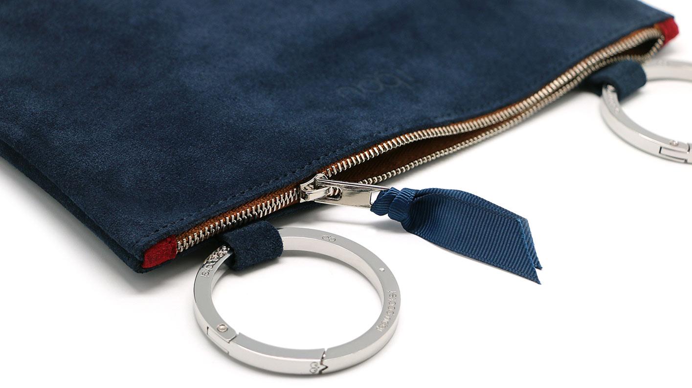 20_2_Ibou-Pocket_Dark-Blue-Leather