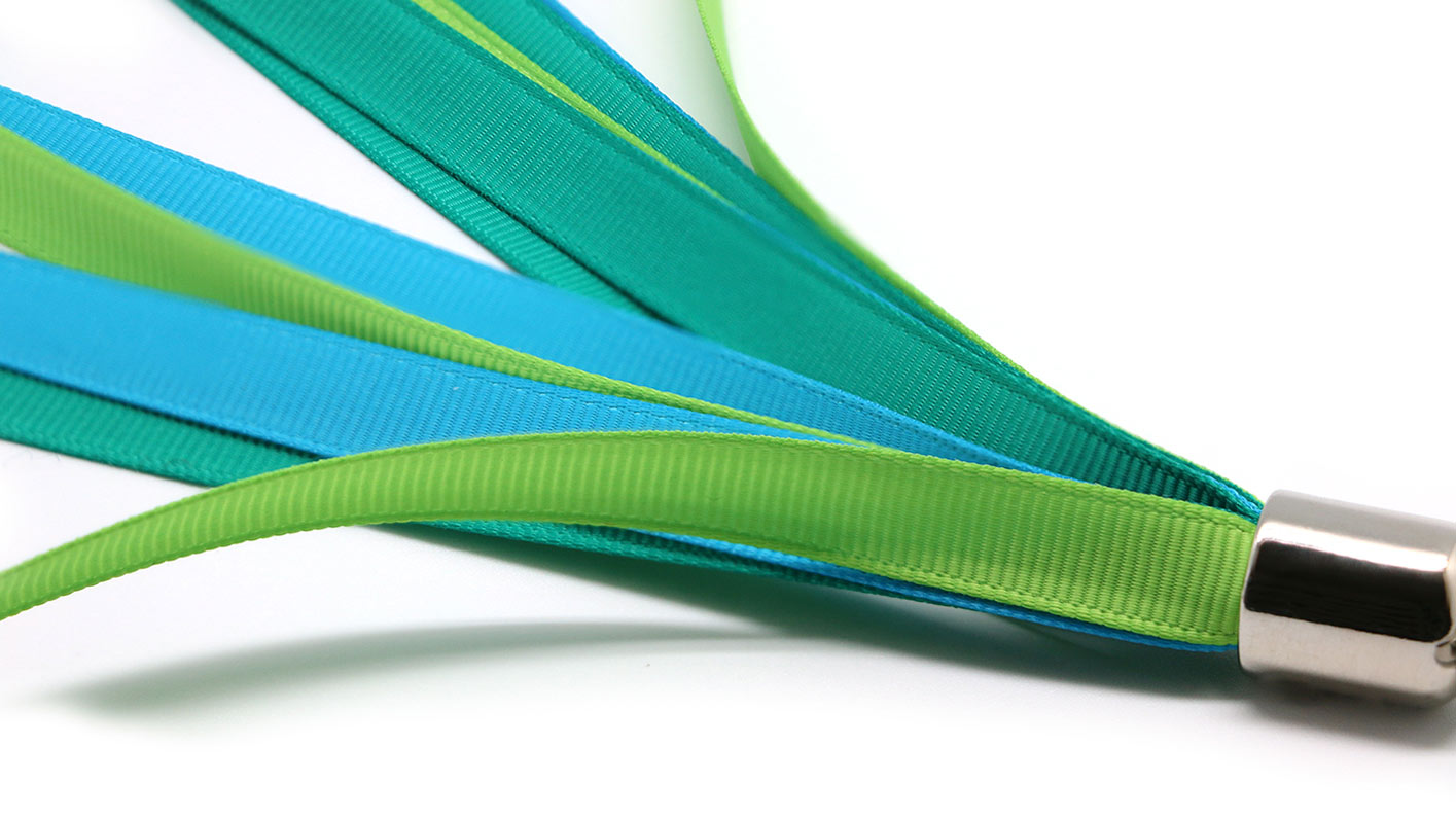 27_3_Ibou-Pompoms-Green-Blue