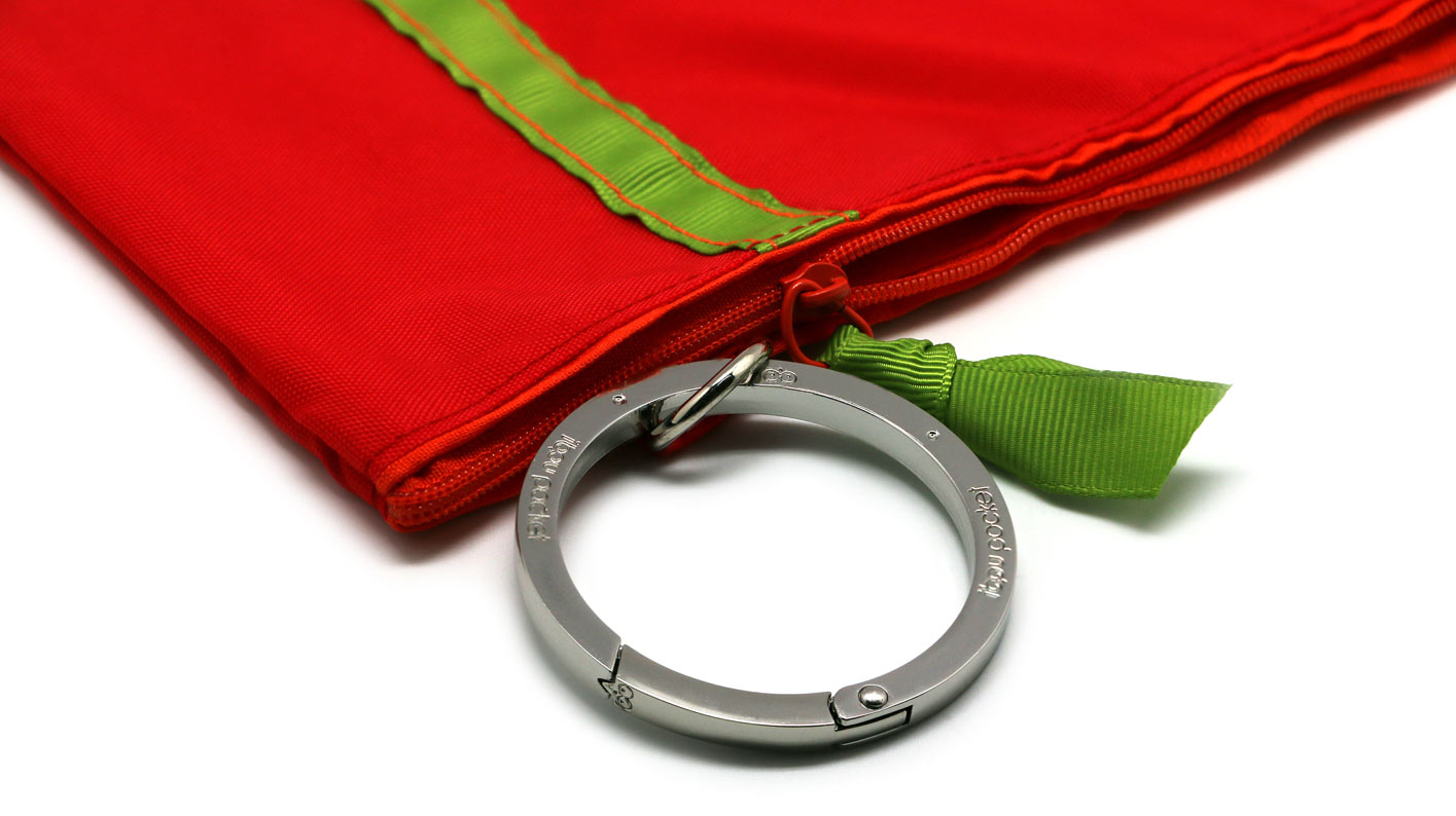 Red-Ibou-Pocket-with-big-ring